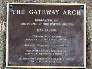 The Gateway Arch sign, St. Louis, MO